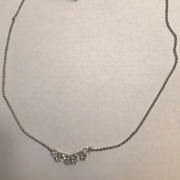 3/$15✨NWT✨ Banana Republic Crystal Necklace